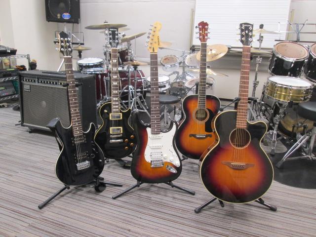 埼玉県川口市音楽教室 島村楽器川口キャスティ店貸し出しギター画像