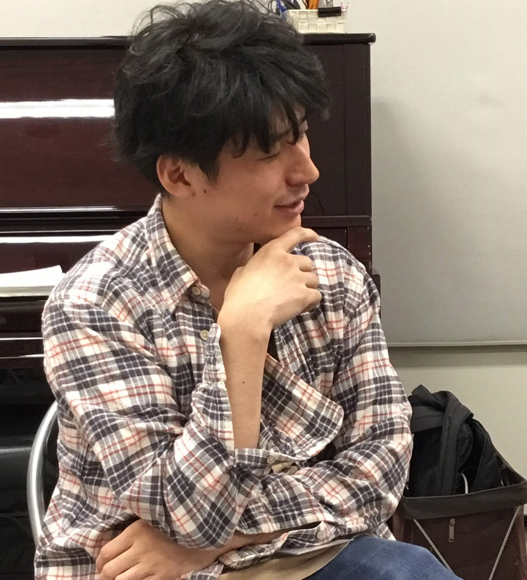 川口駅前島村楽器ギター教室講師逆井祐輔先生画像