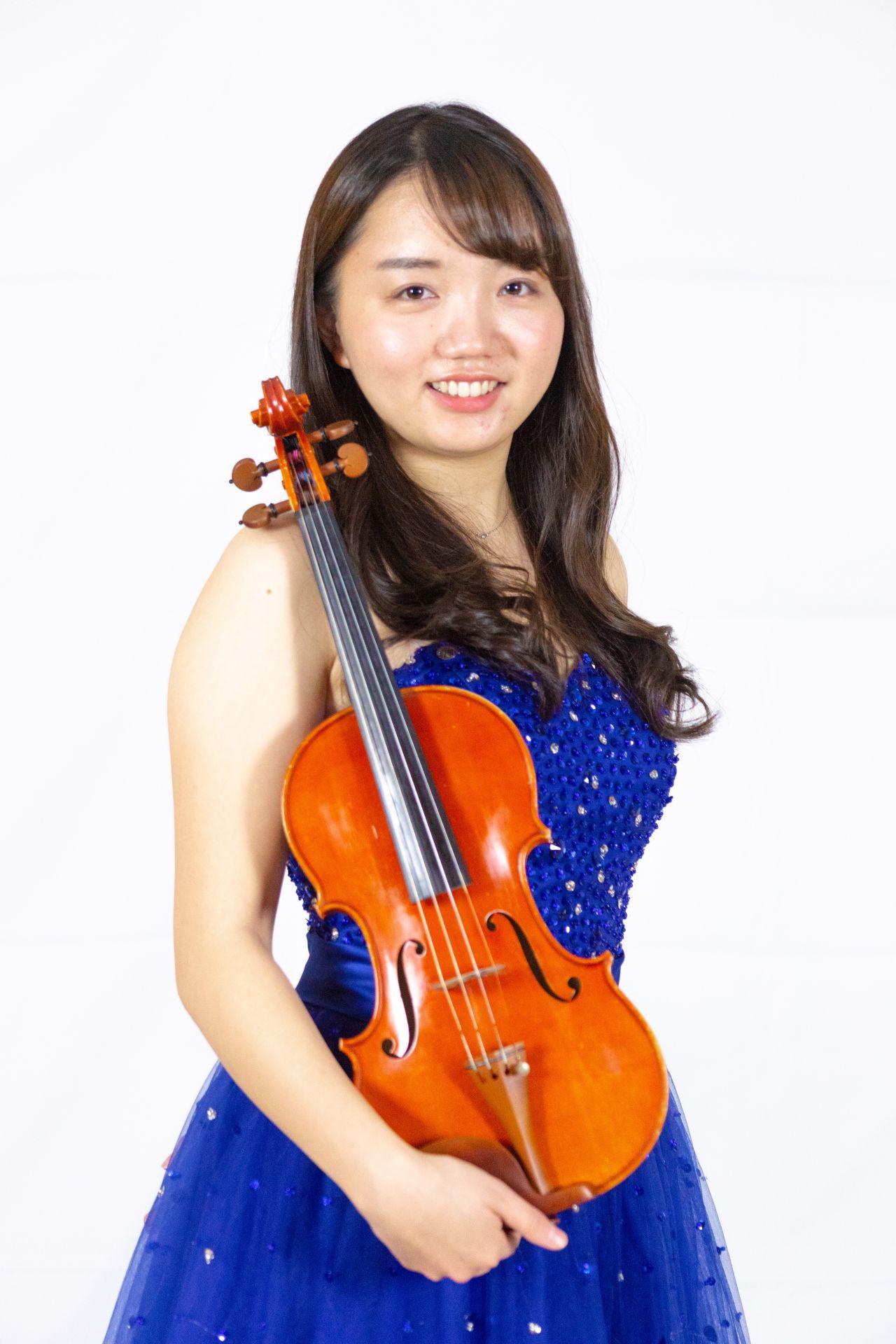 川口駅前音楽教室バイオリン講師上村由麻先生画像