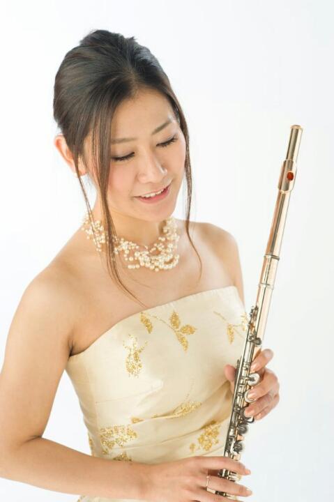 島村楽器かわぐちキャスティ店フルートレッスン講師中西綾子先生画像