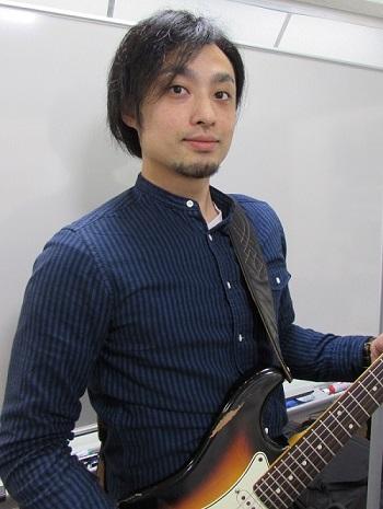 ギター教室講師米満和隆