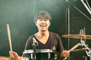 スタッフ写真ドラム講師ドラム講師