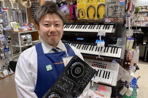 スタッフ写真ピアノ・デジタル楽器担当鶴貝
