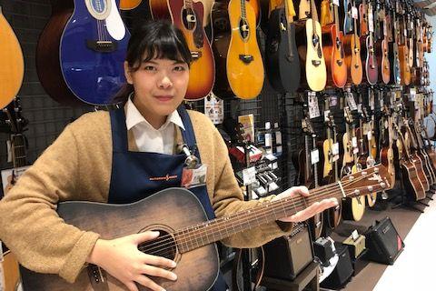 スタッフ写真ギターアクセサリー、シンセサイザー、ウクレレ池田