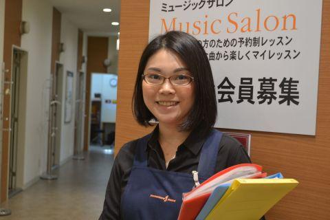 スタッフ写真音楽教室佐東