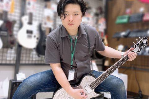 スタッフ写真ギター・ベース・アンプ・DAW を承っております。辻