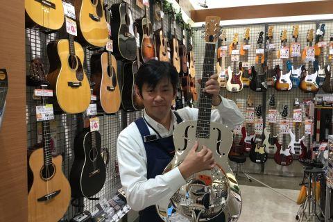 スタッフ写真アコースティックギター、ギター小物、弦松﨑