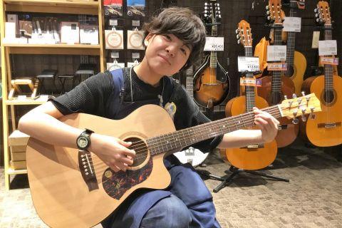 スタッフ写真アコースティックギター・ドラム・シマレコ・HOTLINE小池