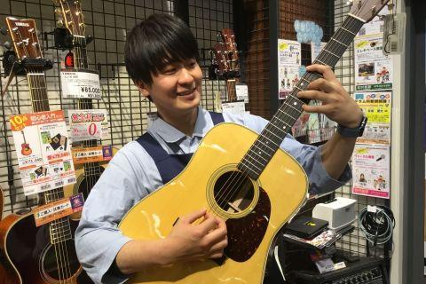 スタッフ写真ギター・エフェクター山田