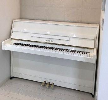 MC108H白艶ピアノ階段上げ納品