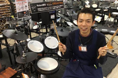 スタッフ写真ドラム・デジタル担当趙