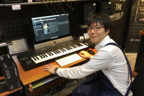 スタッフ写真デジタル担当岡本