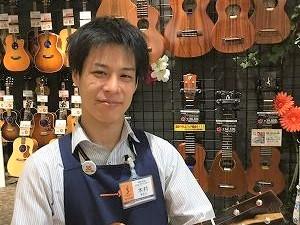 スタッフ写真アコースティックピアノ・電子ピアノ担当木村