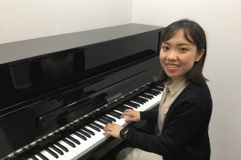 スタッフ写真ピアノインストラクター/ピアノアドバイザー梶