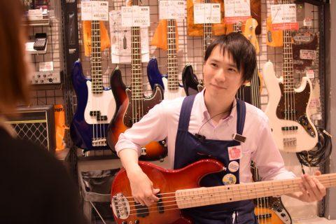 スタッフ写真《ギターアドバイザー》エレキベース/ドラム/ドラムアクセサリー小林