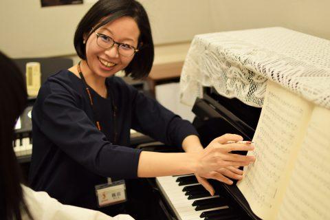 スタッフ写真ピアノインストラクター梶田