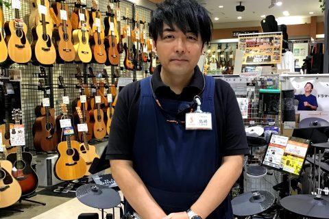 スタッフ写真ドラム島崎