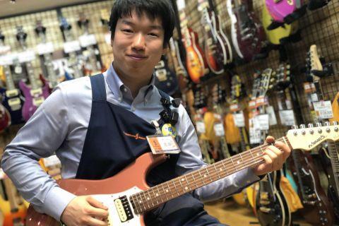 スタッフ写真エレキギター、エフェクター、電子ピアノ吉田 真仁