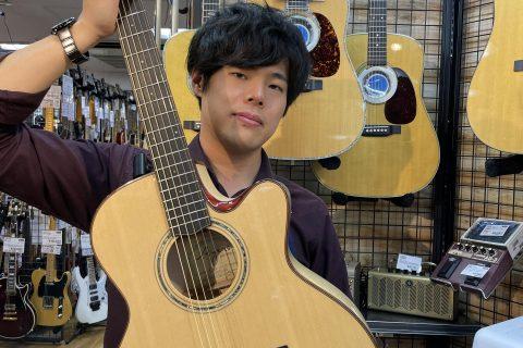 スタッフ写真ギターアドバイザー、ピアノアドバイザー、アコースティックギター、ドラム川本 康博