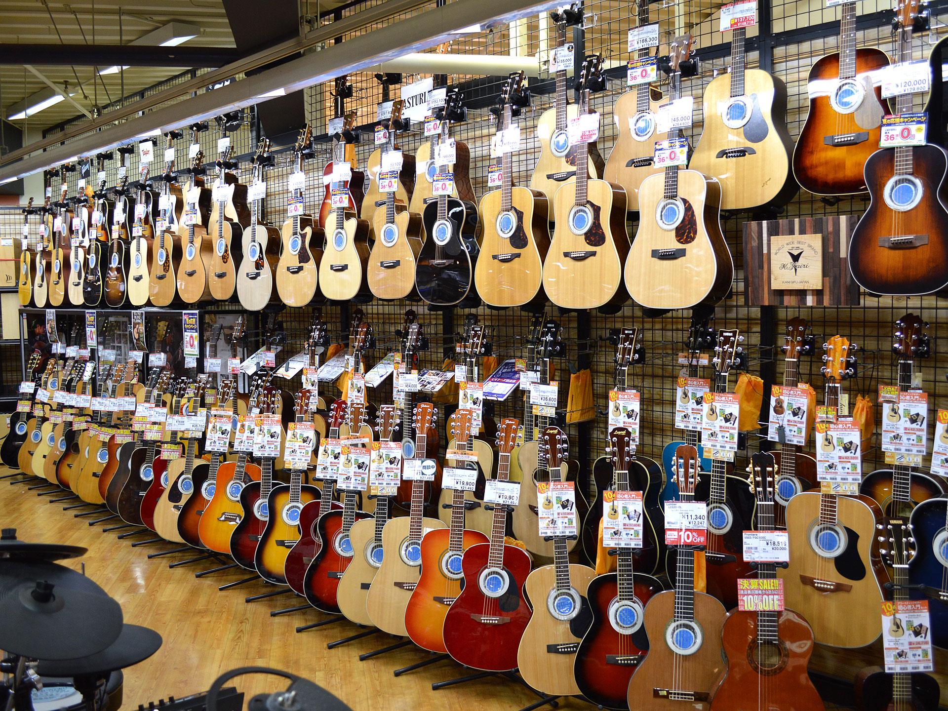 アコースティックギター売場画像