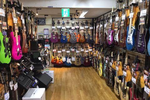 エレキギター店頭画像