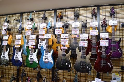 SCHECTER_エレキギター店頭画像