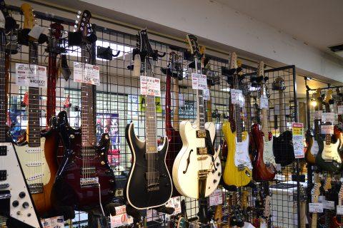 中古エレキギター店頭画像