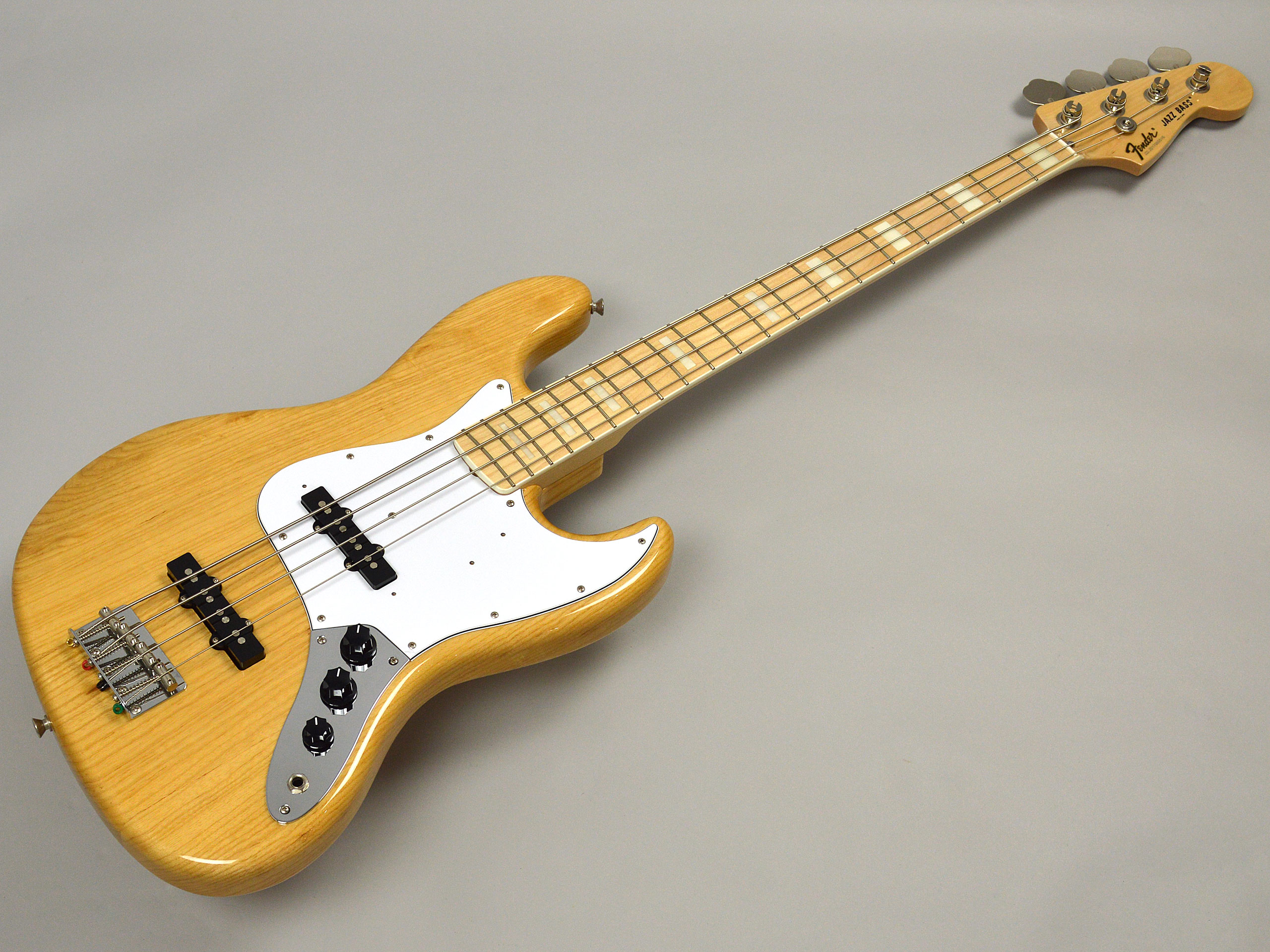 Fender MADE IN JAPAN TRADITIONAL 70S JAZZ BASSトップ画像