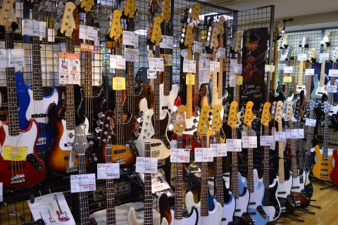 Fenderジャズベース店頭画像