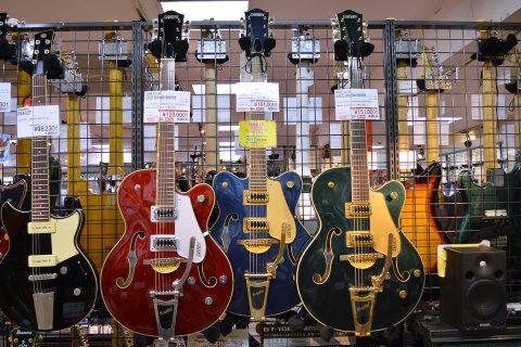GRETSCHフルアコギター店頭画像