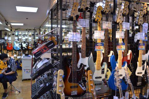 Fender_AM_ORIG60S_JB_RWエレキベース店頭画像