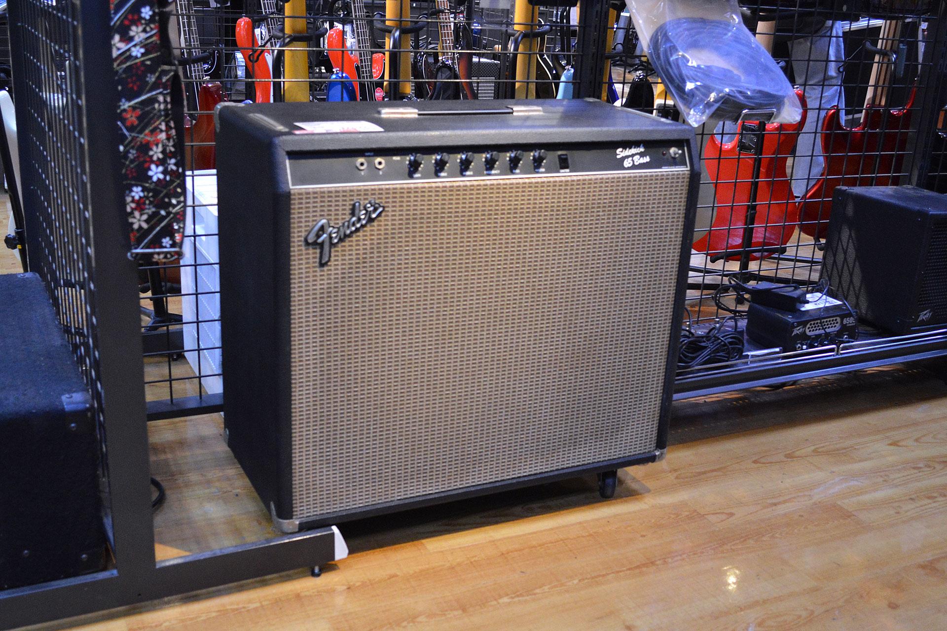 Fender Sidekick 65 Bassアンプ店頭画像
