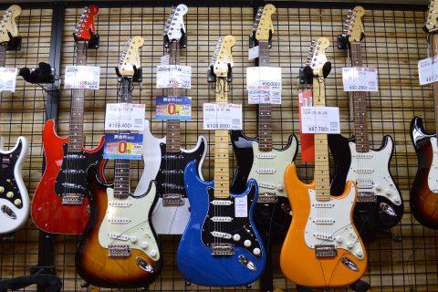 Fenderストラトキャスター店頭画像