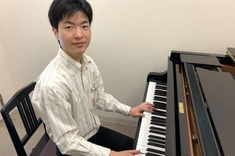 スタッフ写真ピアノインストラクター小野 登充