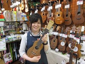 スタッフ写真ウクレレ・中古楽器斎須