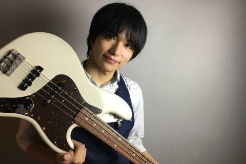 スタッフ写真ギターアドバイザー  エレキベース・エフェクター・PA機材・DJ機材楠