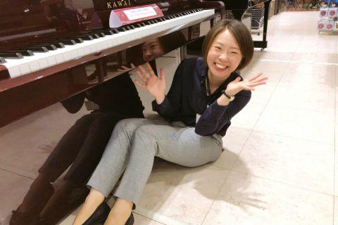 スタッフ写真ピアノインストラクター板井かほり