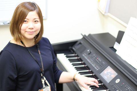 スタッフ写真ピアノインストラクター川述
