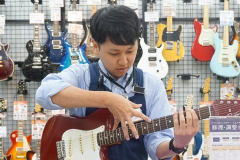 スタッフ写真エレキギター、ベース、アンプ、エフェクター前田