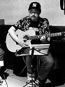 ギター科講師 長崎充敬