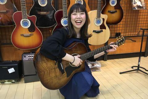 スタッフ写真アコースティックギター・ウクレレ・音楽教室中山