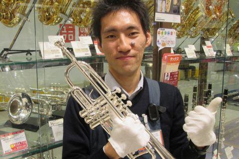 スタッフ写真管楽器シニアアドバイザー上野