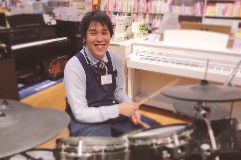 スタッフ写真ドラム関連/ギターアクセサリー/PA/マイク/スローン大塩