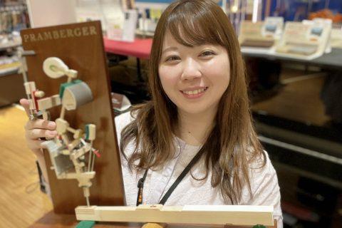 スタッフ写真副店長:ピアノ全般/防音室中嶋夏美