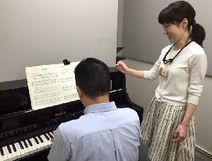 スタッフ写真ピアノサロンインストラクター梅原 恵美