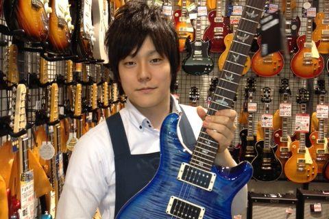 スタッフ写真担当:デジタル・ギター、ベース全般 担当富田