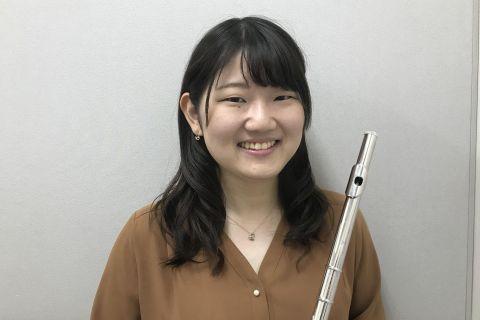 スタッフ写真フルートサロンインストラクター大澤 梢江