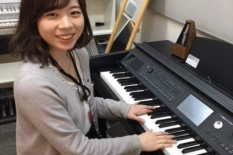 スタッフ写真ピアノインストラクター髙橋 瞳輝子