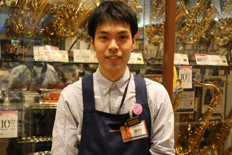 スタッフ写真副店長西村