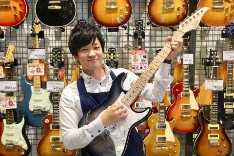 スタッフ写真エレキギター・エレキベース・アンプ・ギターアクセサリー小林